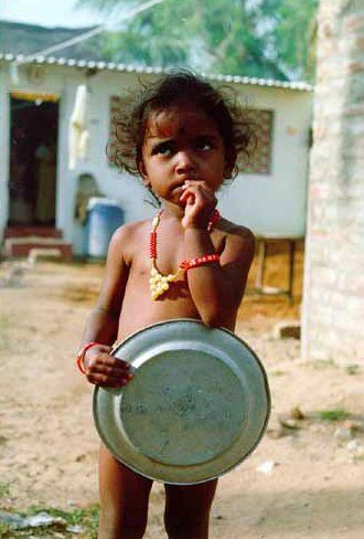 ninya-en-Timor.jpg (18797 bytes)