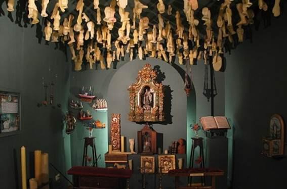 Altares Anat?micos: El D?a De Los Muertos Y Los Exvotos